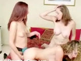 Mom teaches teen daughter