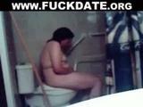 Mature bbw amateur toilet masturbation
