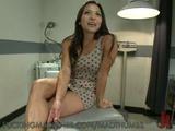 Sexy Hottie Reaches Her Orgasm With Fucking Machines