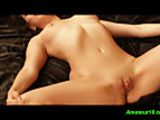 No Sound: Single contortionistbabe spreading wide her pussy