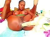 Black webcam girl fisting her asshole