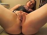 Hot Slut Farting & Dirty Talking On Cam!