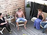 Terrassenfick auf Geburtstagsparty