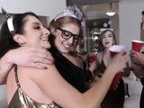 Big Tit Teen Casting New Year New Swap